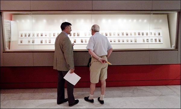 Exposición de la 'carte de visite' en PHotoEspaña 2011