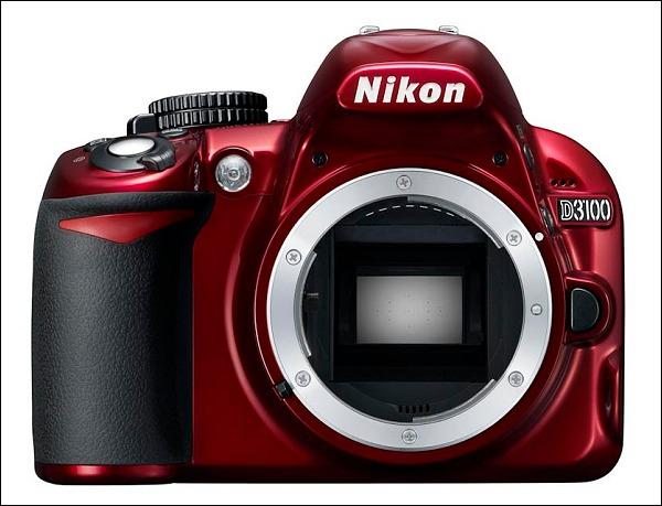 La Nikon D3100 ahora en roja