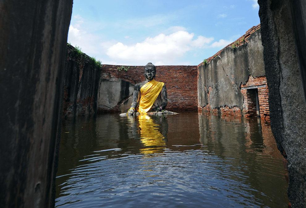 Suben los precios debido a la inundación en Tailandia