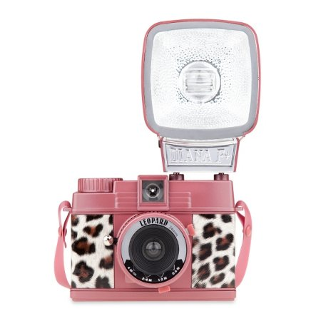 Diana Mini Leopard, una cámara hecha especialmente para chicas