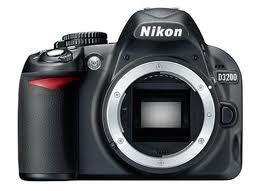 La nueva Nikon D3200, a punto de caer (o eso dicen)