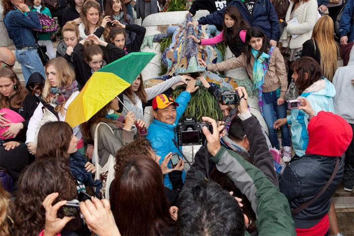 """El gran Martin Parr llega a Barcelona con su """"Souvenir""""."""