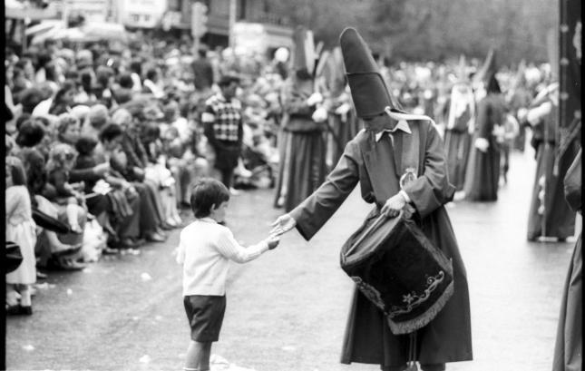 Exposiciones de fotografías de la Semana Santa madrileña y murciana