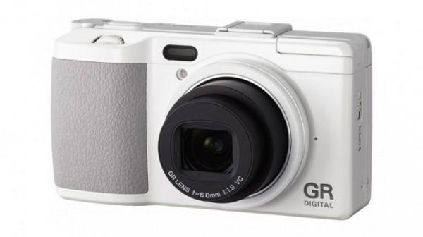 Se actualiza el firmware de la Ricoh GR Digital IV