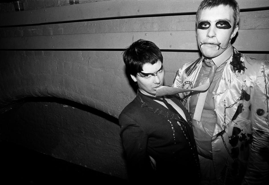 Punks, un precioso libro de fotografías sobre el movimiento contracultural por excelencia