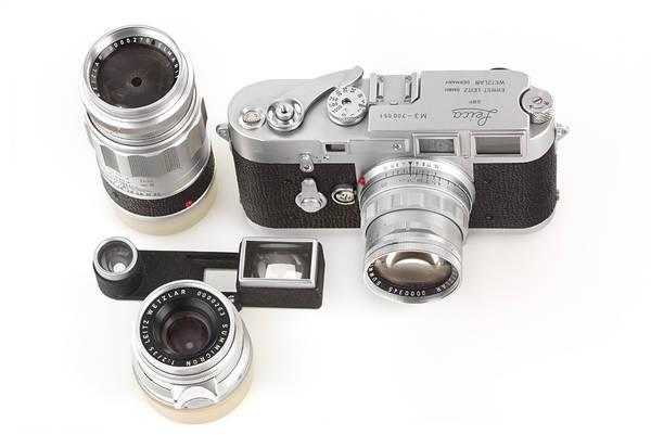 Leica vende su cámara 1 millón por más de 1 millón de dólares.