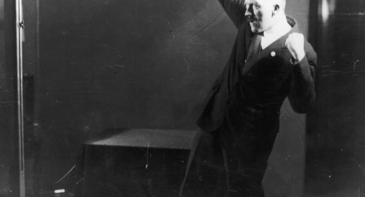 Salen a la luz las fotos más grotescas de Adolf Hitler