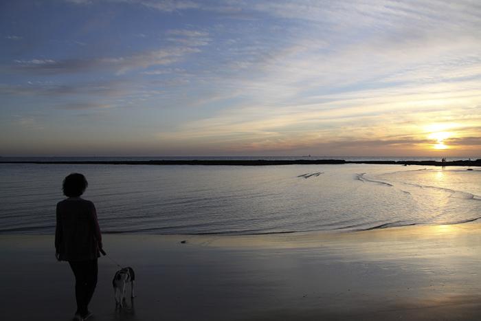 Mejor esperar al otoño para llevar la cámara a la playa (© Pablo Bernardo Caveda).