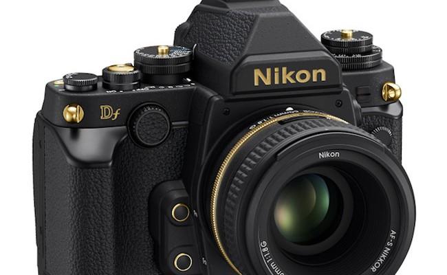 Nikon lanza una edición especial con acabados en oro de su Nikon DF